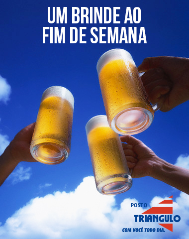 The 3 cups of beer beer mug and blue sky which give a toast